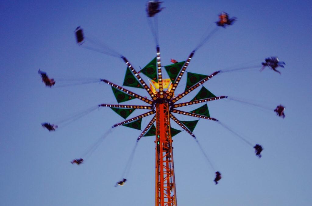 Canva Ride At An Amusement Park 1024x678 - Półkolonie iwarsztaty letnie