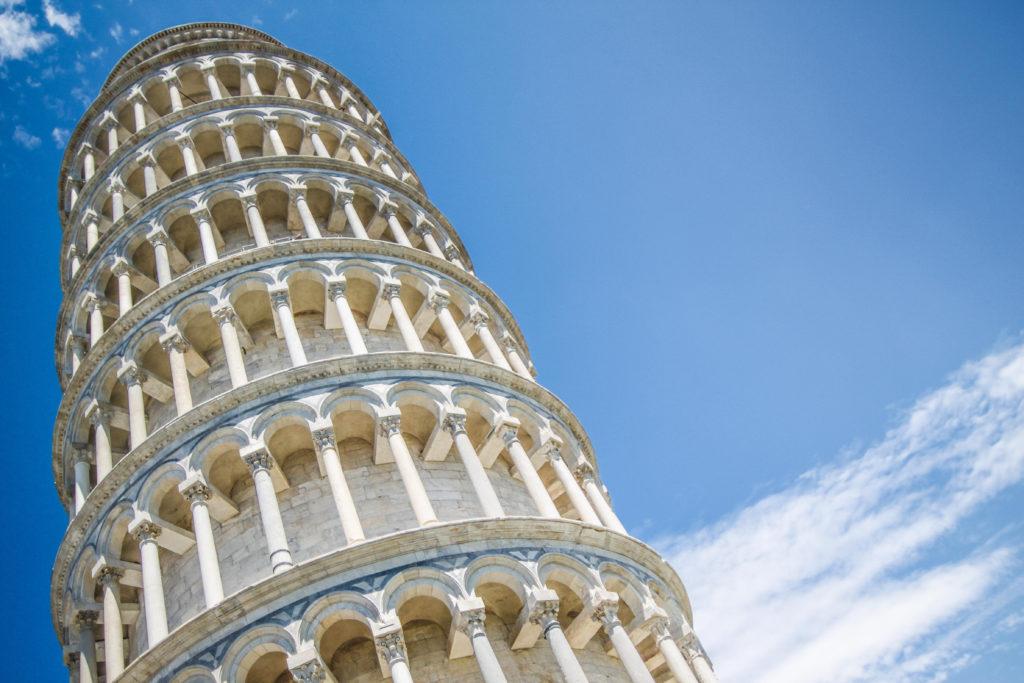 Canva Wieża 1024x683 - Wieża Babel - mów wwielu językach izdobywaj świat